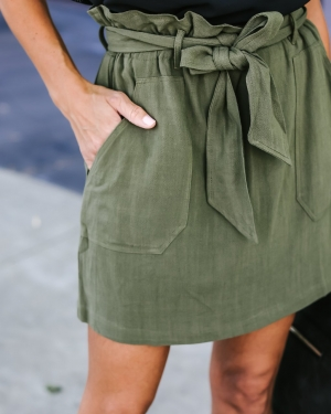Plain Color  Pocket Mini Skirt with Belt
